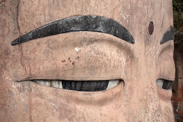 Foto van Close-up of the eyes of the Giant BuddhaLeshan - China