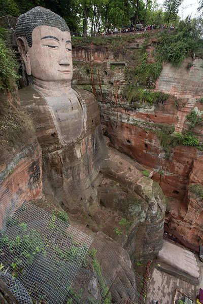 Photo de The Giant Buddha seen from the staircaseLeshan - Chine