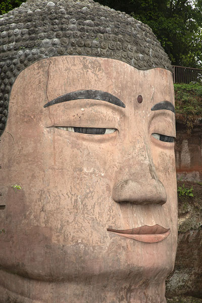 Close-up of the face of the Giant Buddha - 中国