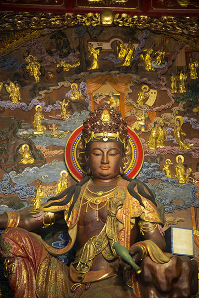Foto di Statue in Lingyun temple near the top of the Giant BuddhaLeshan - Cina