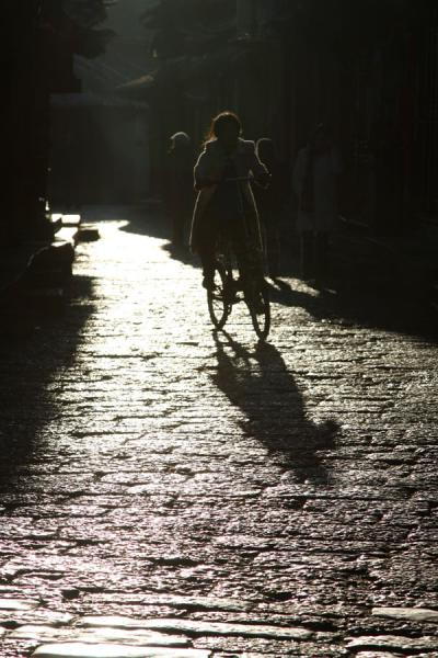 Riding a bike in the early morning of Lijiang | Lijiang Old Town | China