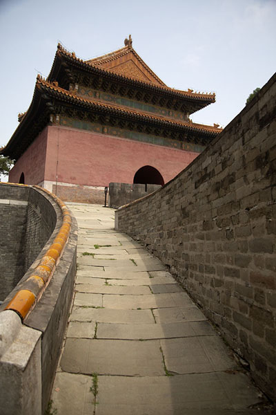 Foto van The Soul Tower of Zhaoling mausoleum complexChangping - China