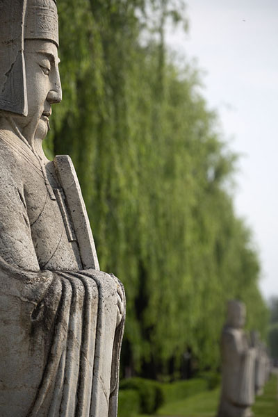 Sculpted officials flanking the Sacred Way | Tombes Ming | Chine