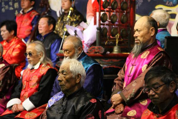 Some of the old musicians of the Naxi Orchestra | Orchestre Naxi | Chine