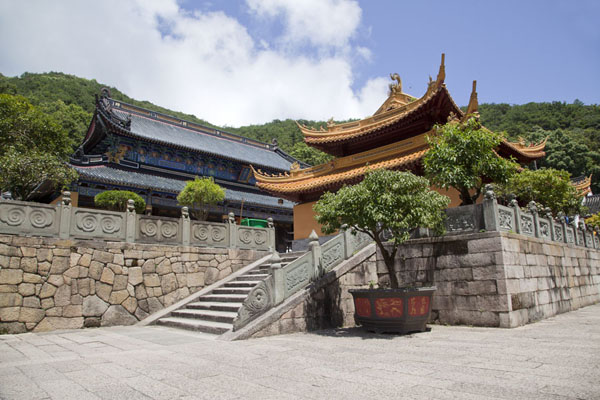 Picture of Putuoshan (China): Upper halls at the Fayu temple complex
