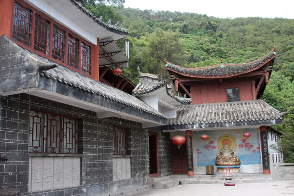 Picture of Buddhist temple on Lu Shan