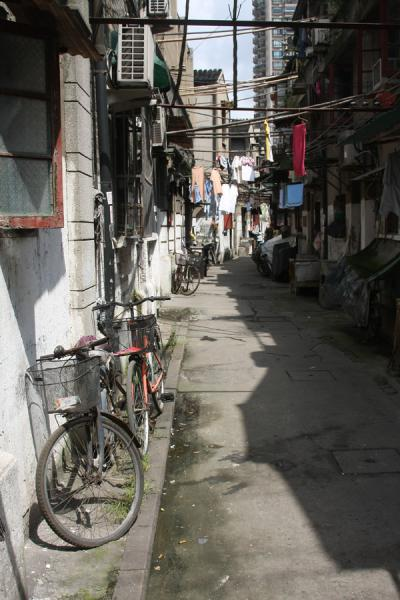 Street scene with bicycle in the old part of Shanghai | Shanghai Old City | China