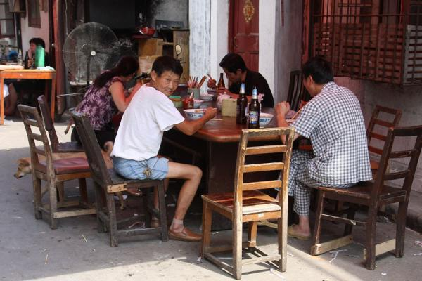 Having lunch on the street | Shanghai Old City | China
