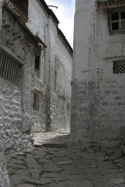 Picture of Alley of Tashilhunpo monastery