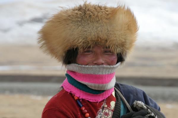 Picture of Tibetan nomads (China): Tibetan nomad woman with furry hat