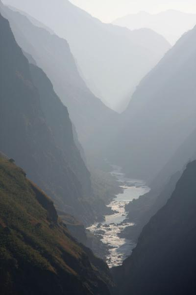 Looking into the Tiger Leaping Gorge | Tiger Leaping Gorge | China