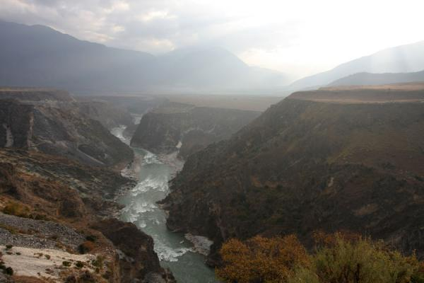 Yangtze River just after it comes out of the Tiger Leaping Gorge near Daju | Tiger Leaping Gorge | China