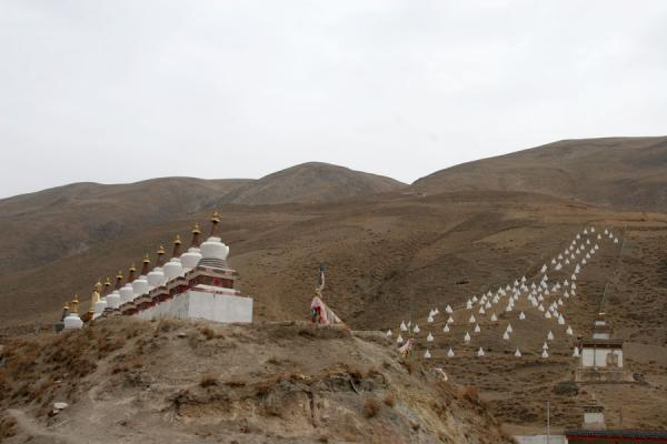 Landscape with stupas near Trangu monastery | Trangu monastery | China