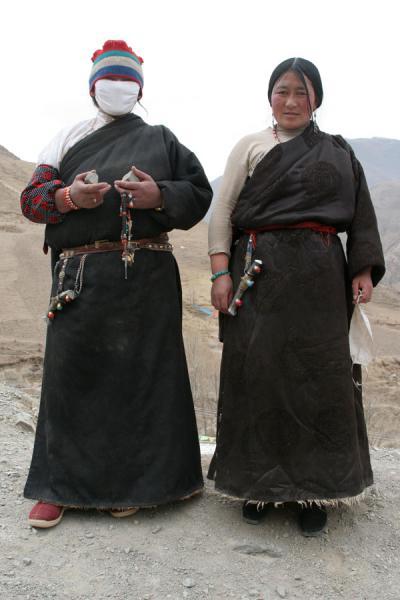 Tibetan women near Trangu monastery | Trangu monastery | China
