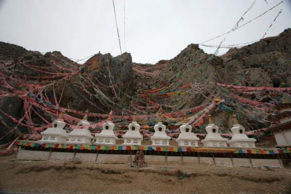 Picture of Wencheng temple (China): Wencheng Temple: new chörten on an old site
