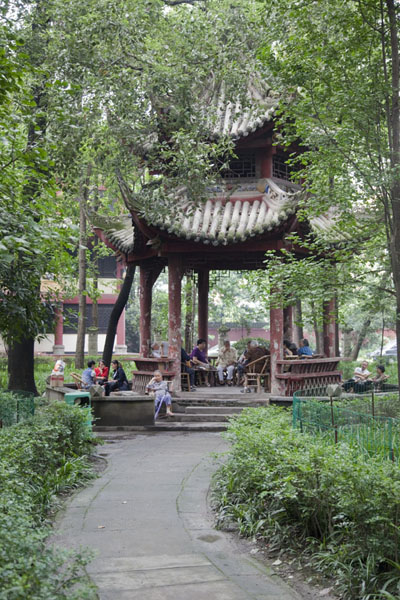 Picture of Resting place in the park of Wenshu monastery