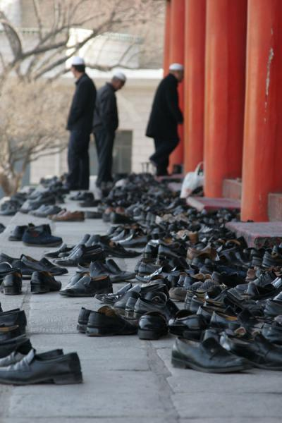 Picture of Xining Mosque (China): Praying without shoes: entrance of the prayer hall of the Great Mosque