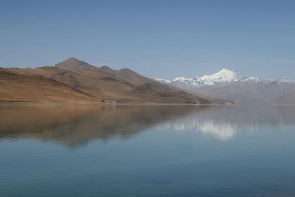 Picture of Nojin Kangtsang reflected in Yamdrok Tso