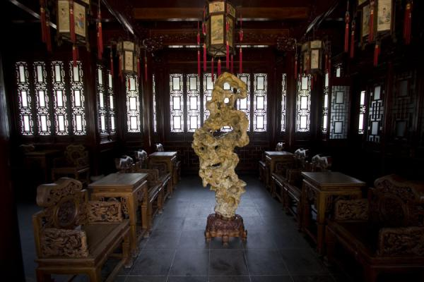 Interior view of Hanbi Tower in Yuyuan Garden | Yuyuan Garden | China