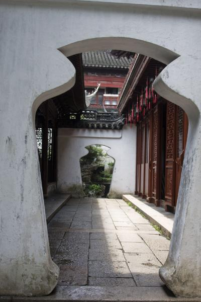 Picture of Yuyuan Garden (China): Oddly shaped gates linked by a corridor in Yuyuan Garden