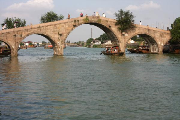 Foto van Fangsheng bridge, the most remarkable bridge of ZhujiajiaoZhujiajiao - China