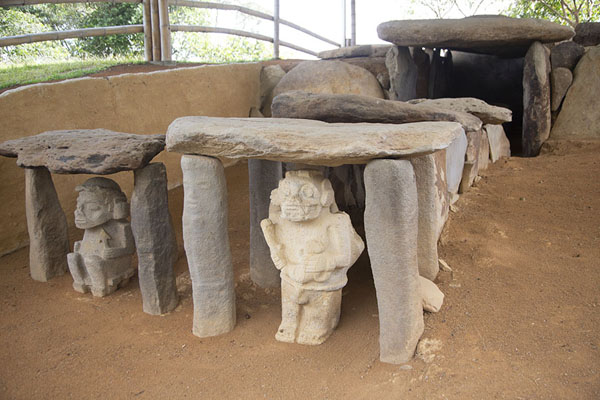 One of the elaborate tombs of Mesita A of Alto de los Ídolos | Alto de los Ídolos | 哥伦比亚