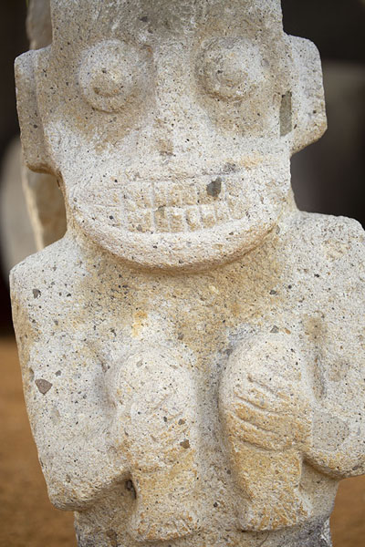 Photo de Close-up of a statue at one of the tombs at Alto de los ÍdolosIsnos - Colombie
