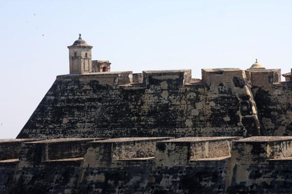 Picture of Castillo San Felipe de Barajas (Colombia): Strong defensive walls at the top of the Castillo San Felipe