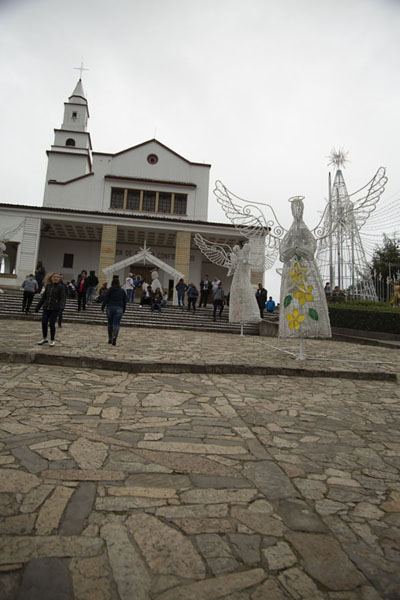 Foto di Nuestro Señor de Monserrate church on top of the mountain - Colombia - America