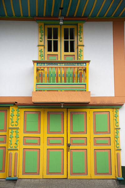 Brightly painted exterior of a house in Filandia | Filandia | Colombia