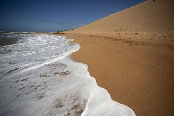 Waves washing ashore at the Taroa sand dunes | La Guajira | Colombia
