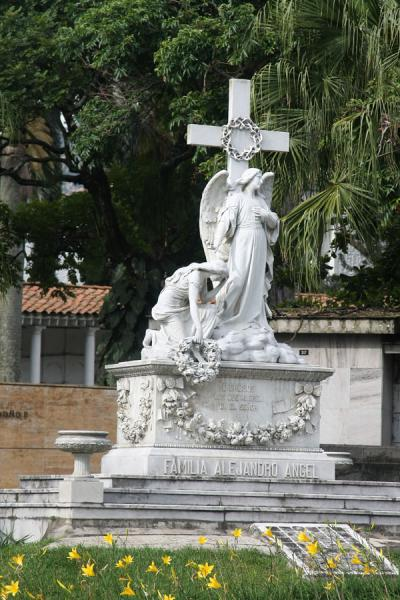 Tomb with statue at San Pedro Cemetery | San Pedro Begraafplaats Medellín | Colombia