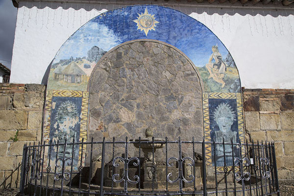 Fountain with decorations at a corner of the main square of Monguí | Monguí | Colombia