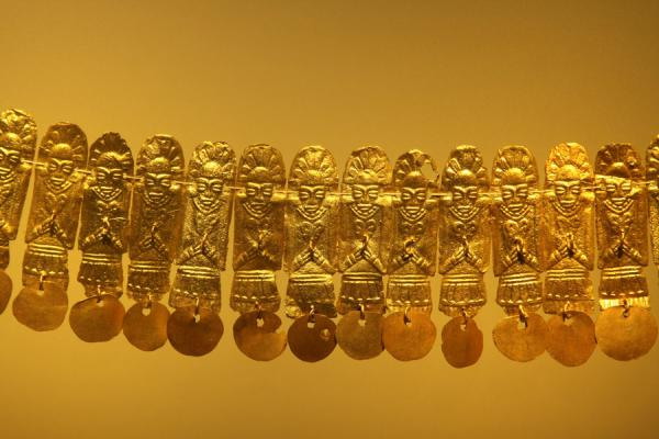 Detail of a golden necklace | Museo del Oro | Colombia