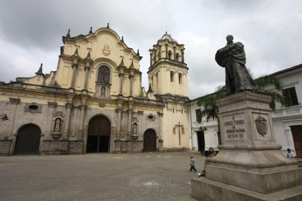 Picture of Popayán (Colombia): Iglesia de San Francisco and square