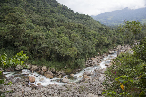 Foto van The Cusiana river running towards the southSalto de Candelas - Colombia