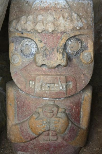 Picture of Queen at El Purutal: one of the very few coloured statues of the San Agustín culture
