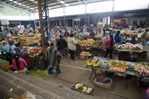 Overview of the indoor market of Silvia | Silvia Markt | Colombia