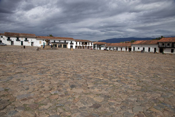Picture of Villa de Leyva (Colombia): Cobble stone main square surrounded by colonial buildings: the Plaza Mayor of Villa de Leyva