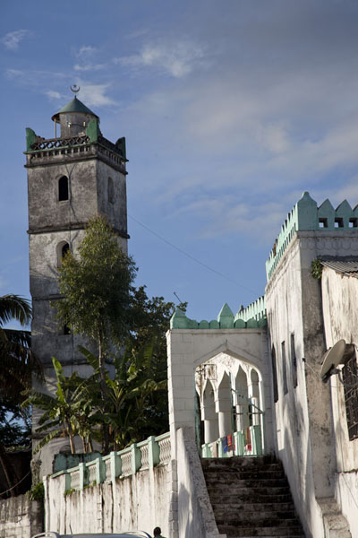 Badjanani mosque and minaret in Moroni in the afternoon | Vielle ville de Moroni | Comores