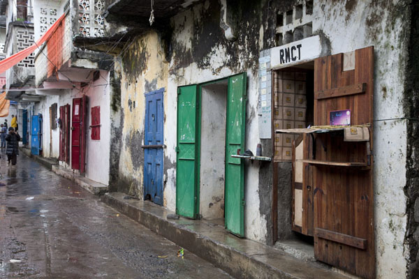 Street with shops in the old quarter of Mutsamudu | Mutsamudu medina | Comores
