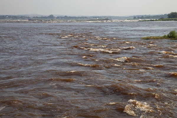 Foto van Looking downstream the Congo River at the rapids south of BrazzavilleBrazzaville - Congo-Brazzaville