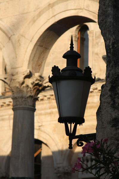 Picture of Street lamp and Roman arches at the Peristil