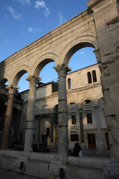 The high arches of the Peristil, right in the middle of Diocletian's Palace | Diocletian's Palace | Croatia