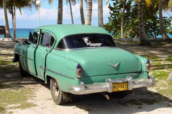 Picture of Cuban cars (Cuba): Old Cuba car on Caribbean coast