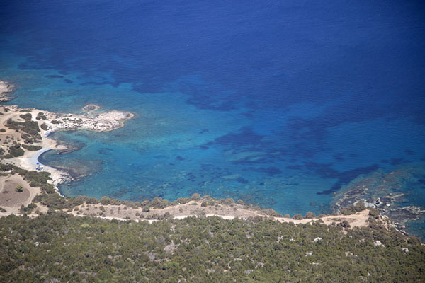 The turquoise waters on the east coast of Akamas peninsula - 塞浦路斯