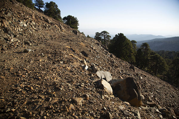 Rocky section on the slopes of Mount Olympus - 塞浦路斯 - 欧洲