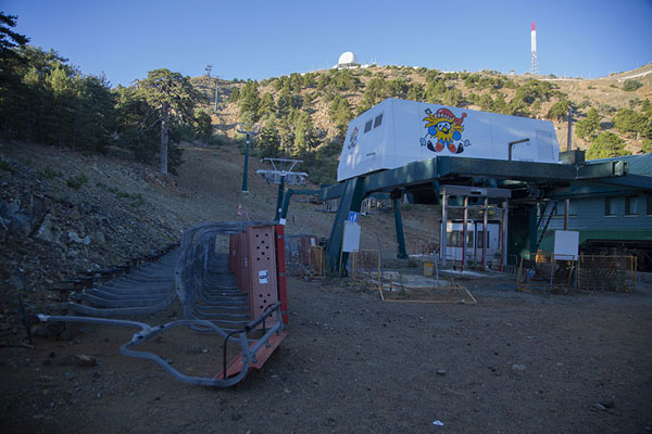 The ski-lift with the summit of Mount Olympus in the background | Artemis trail | Cyprus