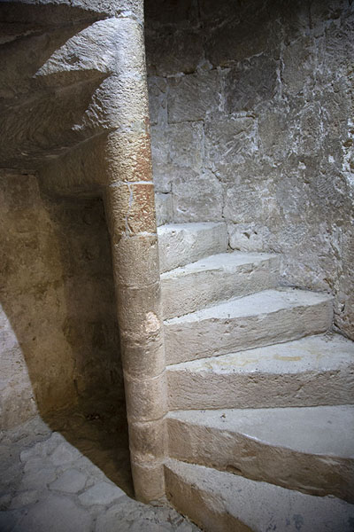 Foto van Spiral staircase connecting the floors of the castle - Cyprus - Europa