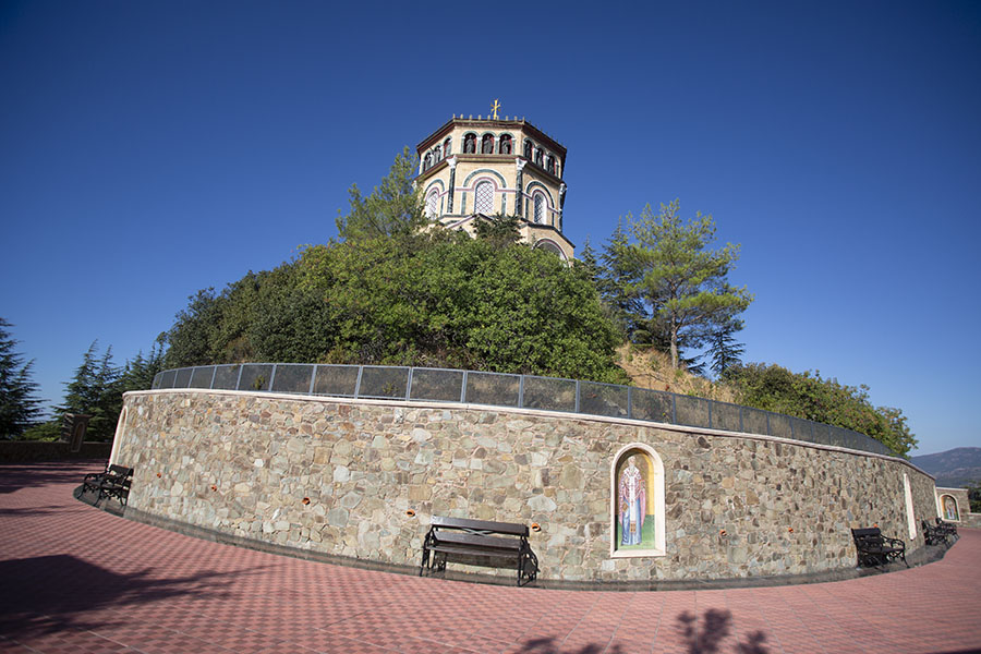 The top of Throni hill with the new shrine | Tomb of Makarios | 塞浦路斯